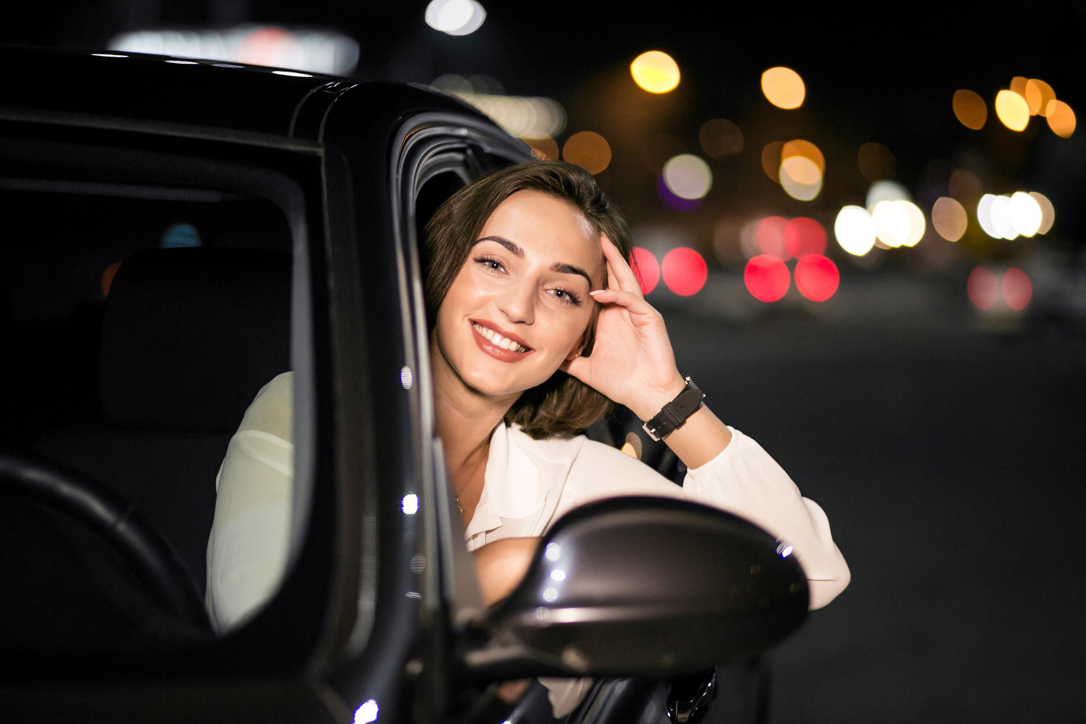 mulheres carros